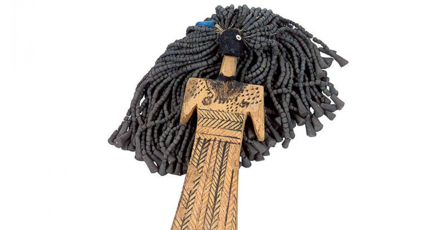 Doll_with_Hair_of_Mud_Beads