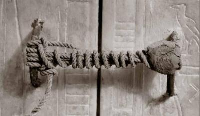 Sello intacto en la capilla de la tumba de Tutanhkamón