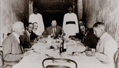 Comida cerca de la tumba de Tutankhamón