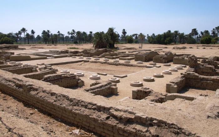 16_GONZÁLVEZ_Amarna